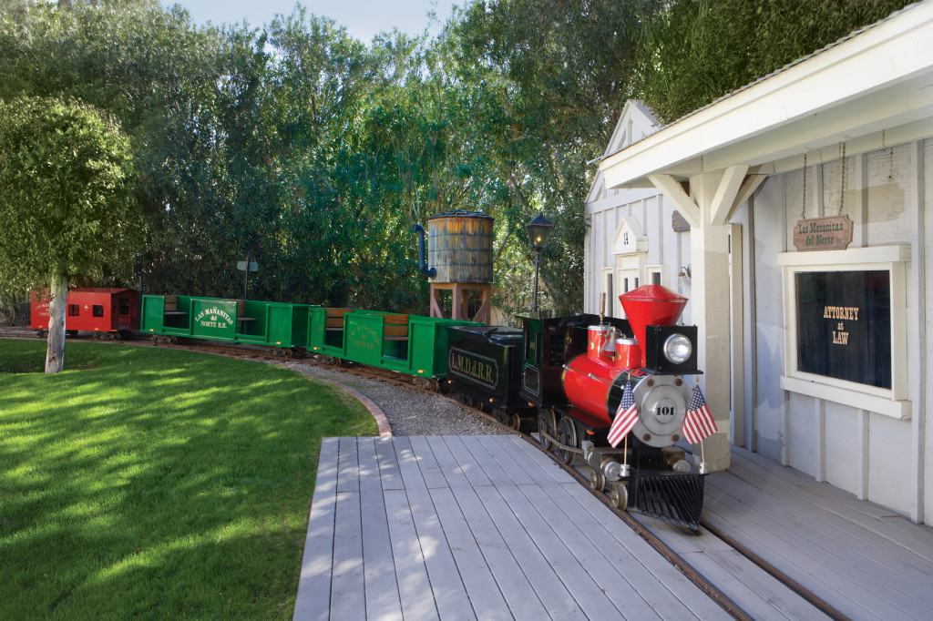 house of the week  arizona house comes with a train