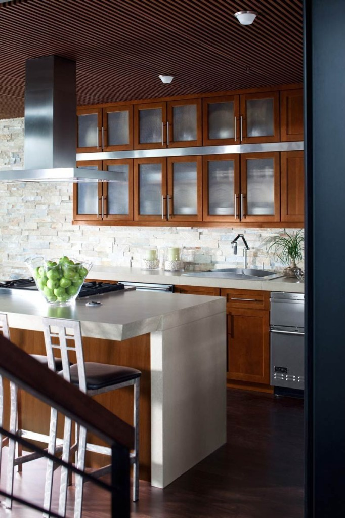 tip 1 open shelving and glassfront cabinets are great for any kitchen style - Kitchen Trends