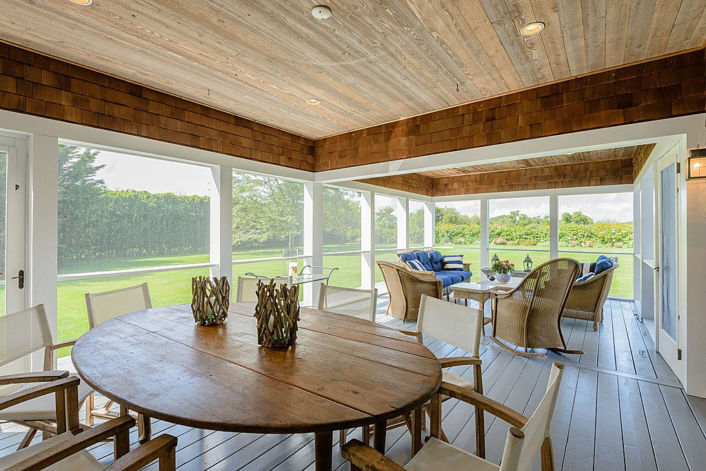 Rhony Countess Drops Price Of Hamptons Estate That Quot Feels
