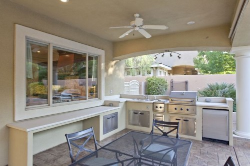 Dig This Trend: Outdoor Kitchens