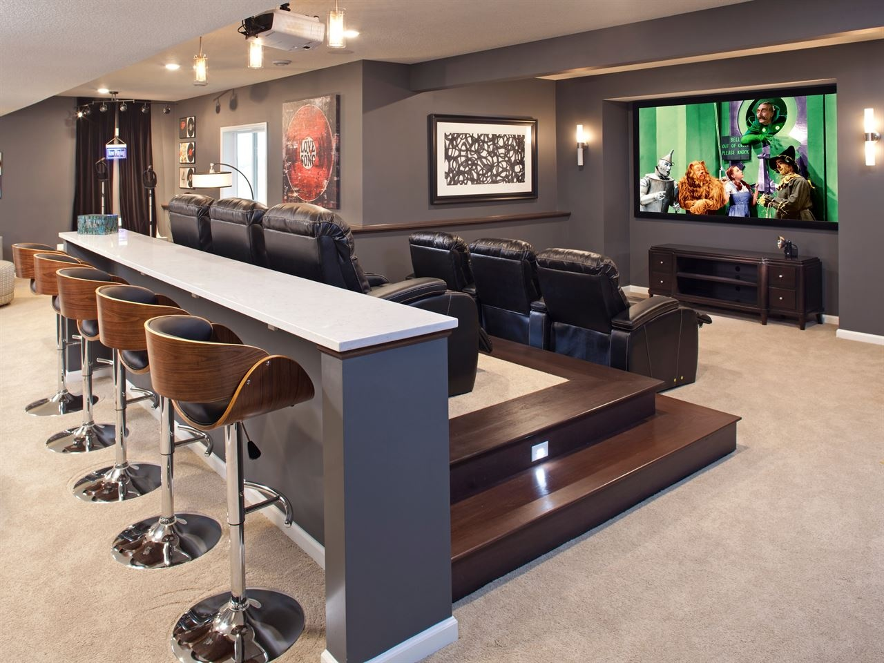 Man cave types design ideas zillow digs for Home design zillow