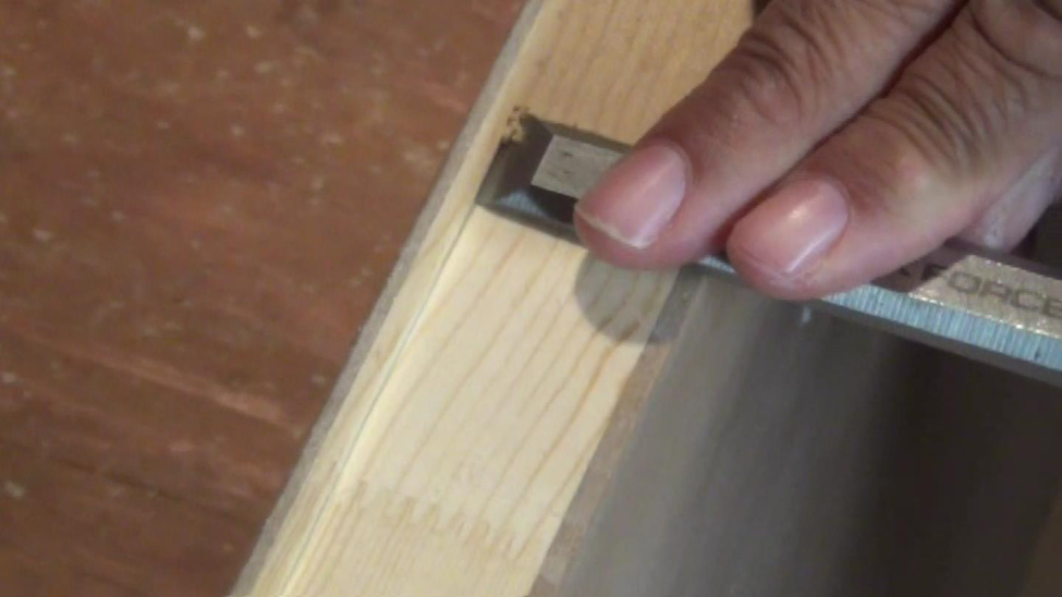 how to cut door hinges
