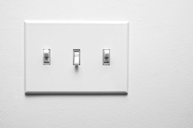 how to change out a wall light switch