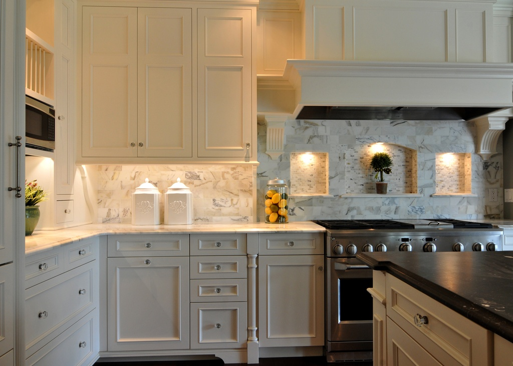 Your guide to kitchen cabinets zillow digs for Kitchen cabinets quesnel bc