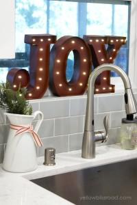 Christmas-sink-decor