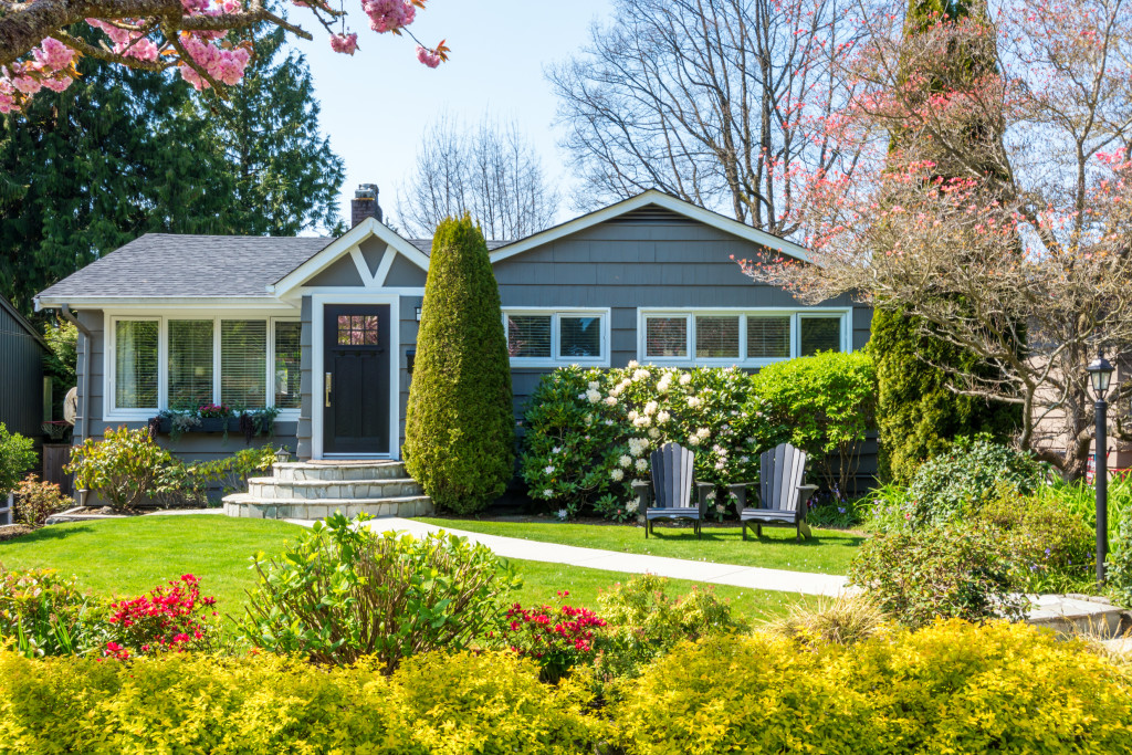 What Does a Title Company Do? | Zillow