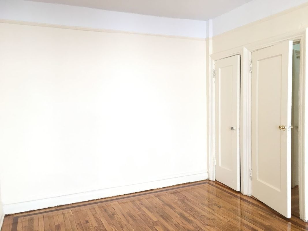 spacious crown heights 1-bedroom