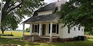 Columbus, KS farmhouse for sale