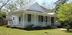 Forsyth GA farmhouse for sale