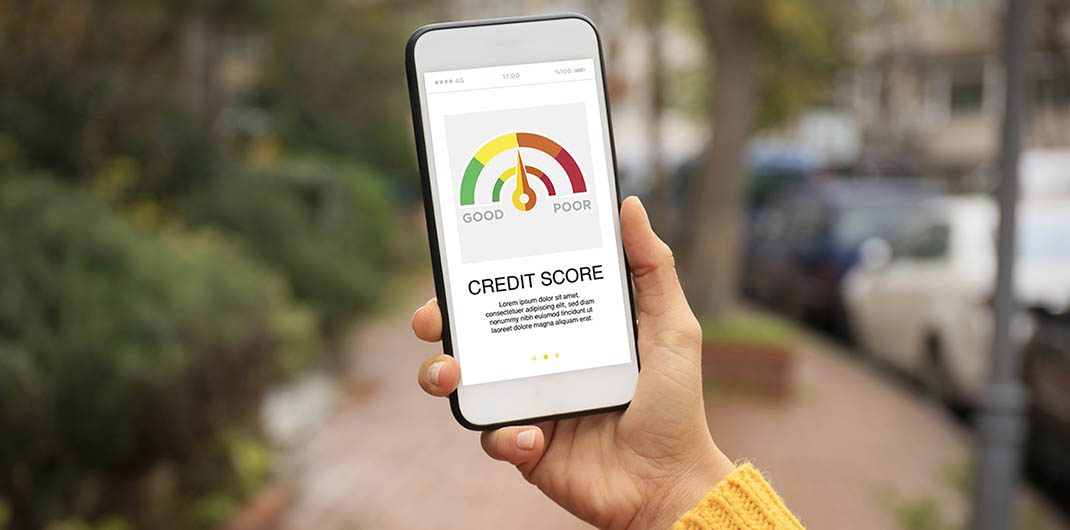 what is the lowest credit score