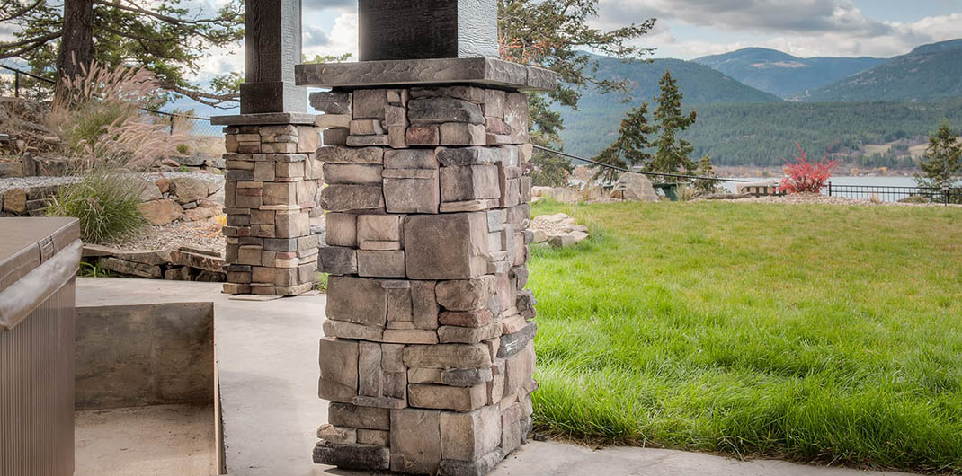 accent stone columns