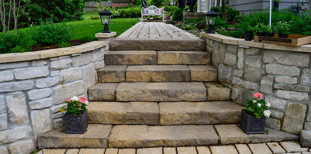 accent stone hardscaping