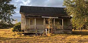 Sycamore GA farmhouse for sale