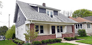 bungalow for sale in west bend wi