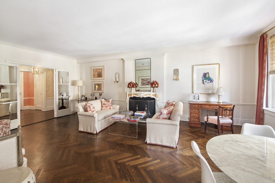 This Park Avenue Classic Six Features A Large Living Room Overlooking