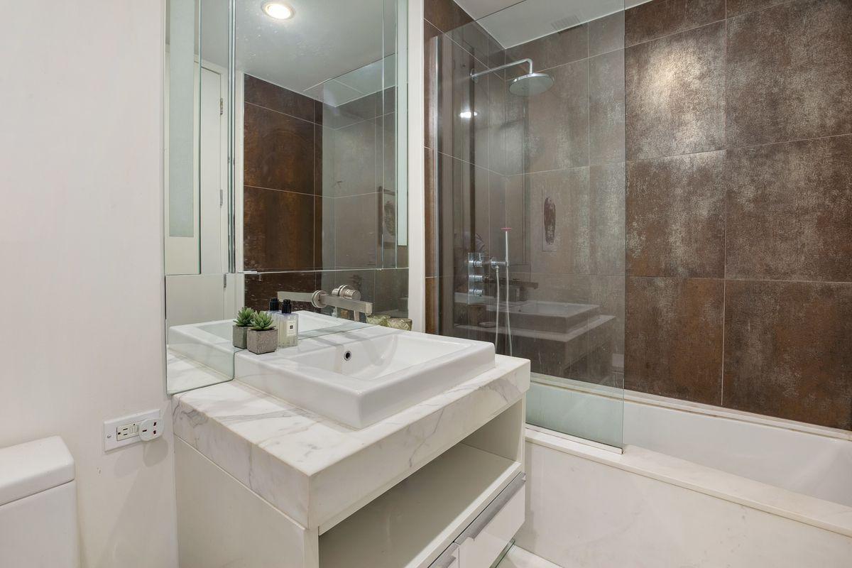 Apartment Bathroom Upgrades Make Your Dull Bath Into A Spa Streeteasy