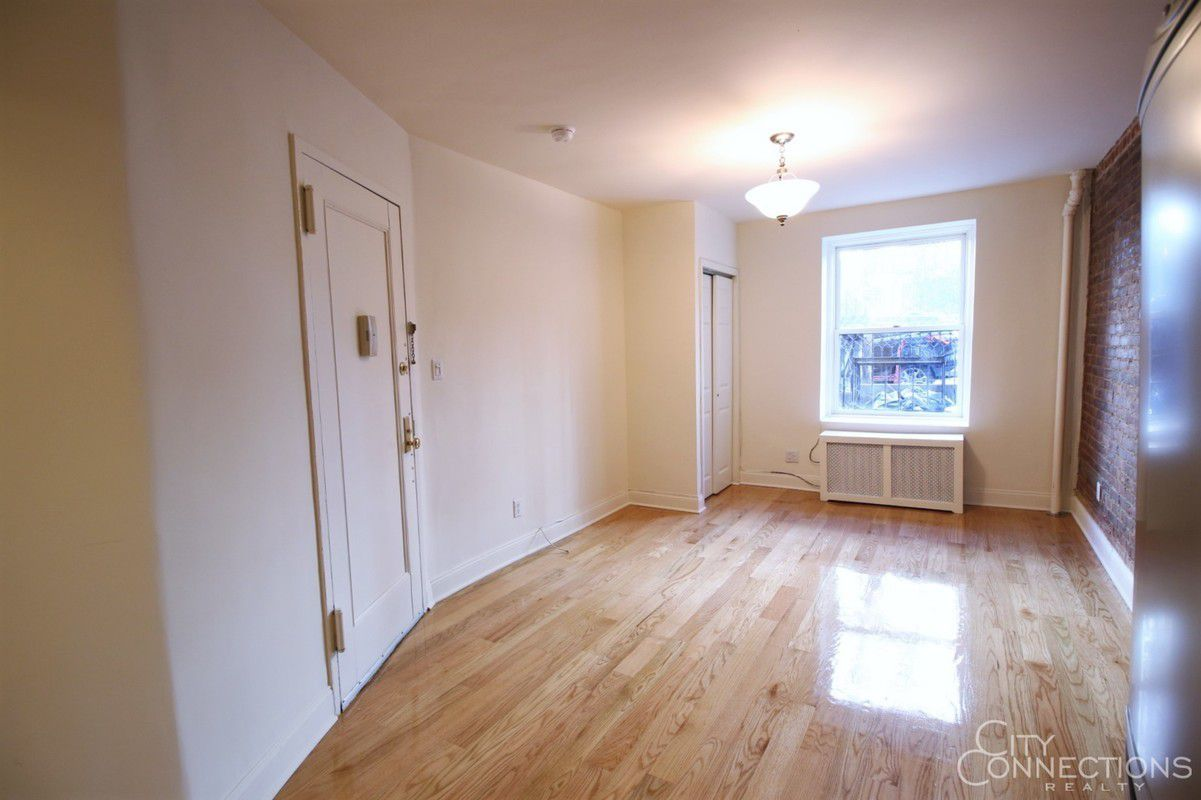 Nyc no fee apartments 5 great places available now for No broker fee apartments nyc