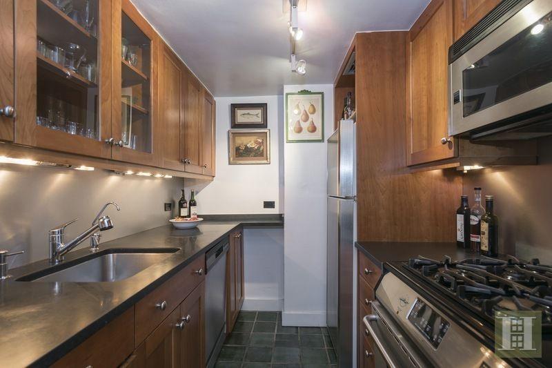 louis CK kitchen