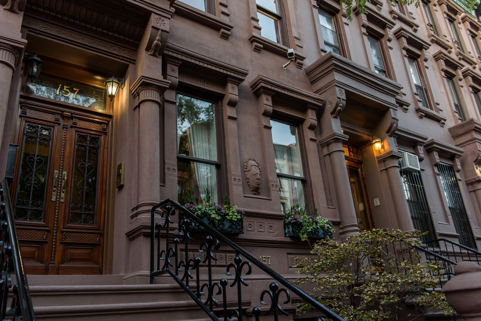 faee301f18d You Think You Want a Brownstone House  Need to Read Advice for Buyers