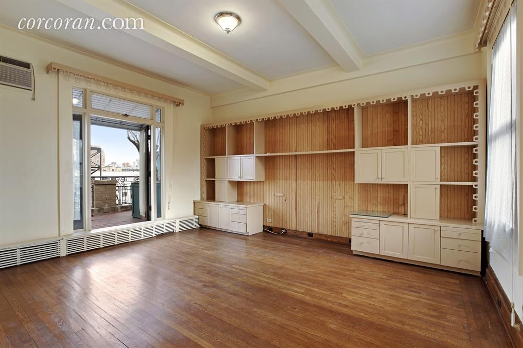 Penny Marshall bedroom