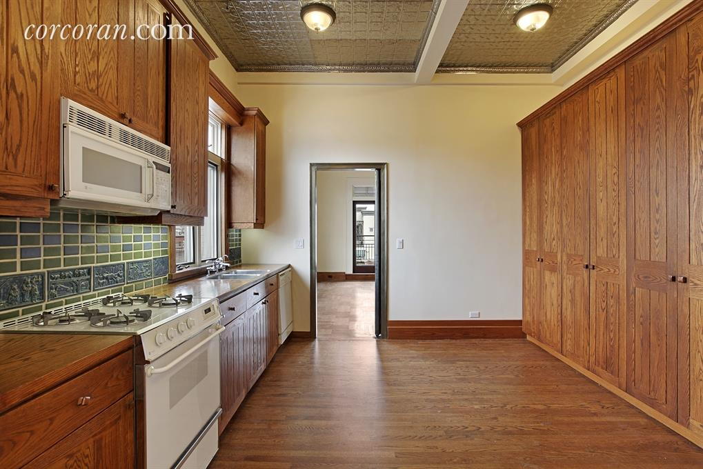 Penny Marshall kitchen