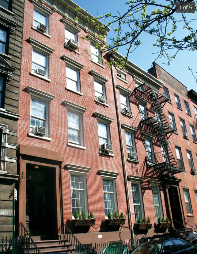 Game on sarah jessica parker combining two west village for Townhouse for rent nyc