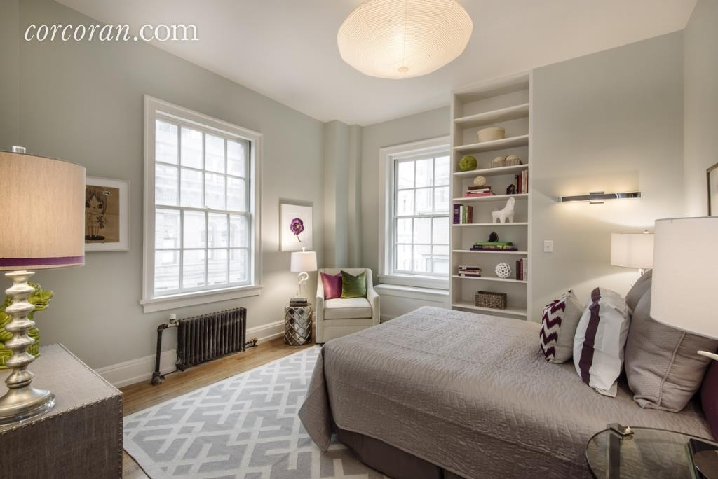 Uma thurman 39 s gramercy park sold for 6 608 000 streeteasy for Gramercy park nyc apartments