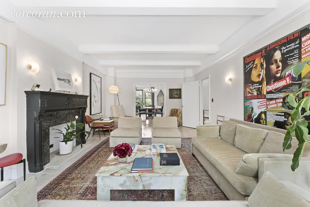 Chloe sevigny 39 s park slope co op already in contract for Living room brooklyn 86 st