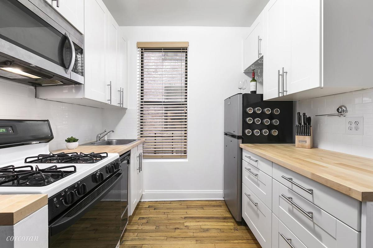 Fine Staging A Kitchen Frieze - Kitchen Cabinets   Ideas ...