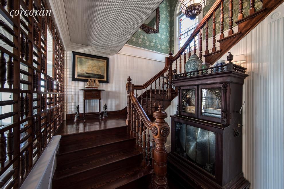 Photo of Dick Cavett's home in Montauk
