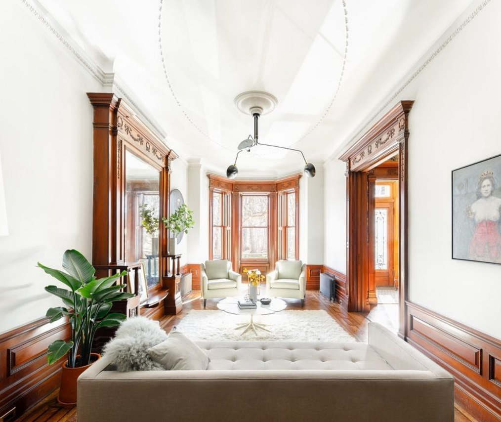 Neighborhood house tours sneak peek inside nyc 39 s most for Beautiful house tour