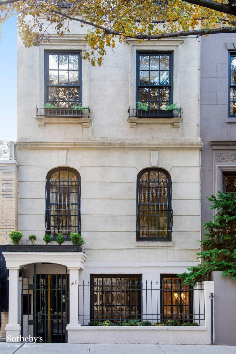 Sonja morgan townhouse rhony star asks 32k month for Townhouse for rent nyc