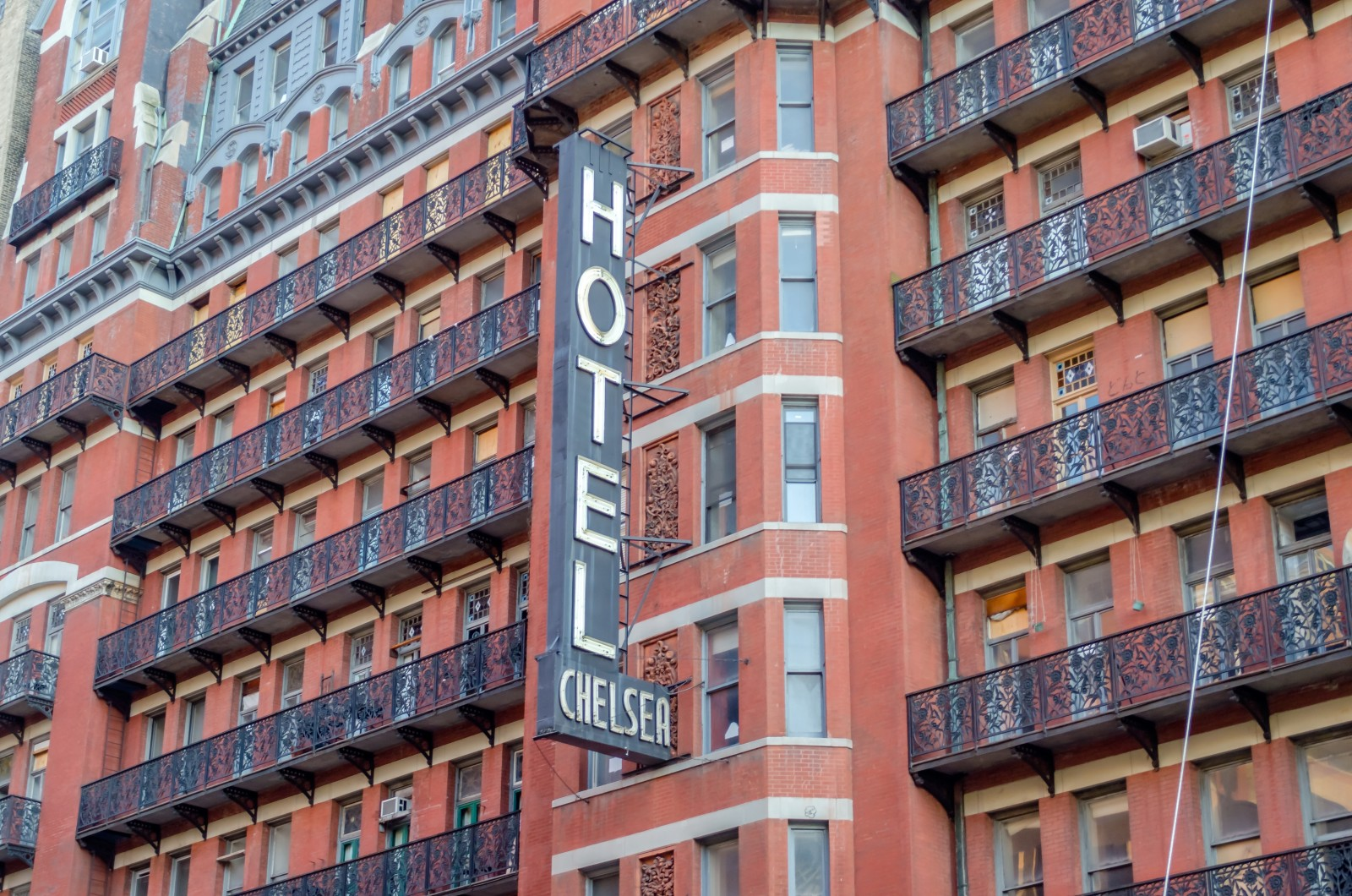 new owners new plan for condos at the chelsea hotel. Black Bedroom Furniture Sets. Home Design Ideas
