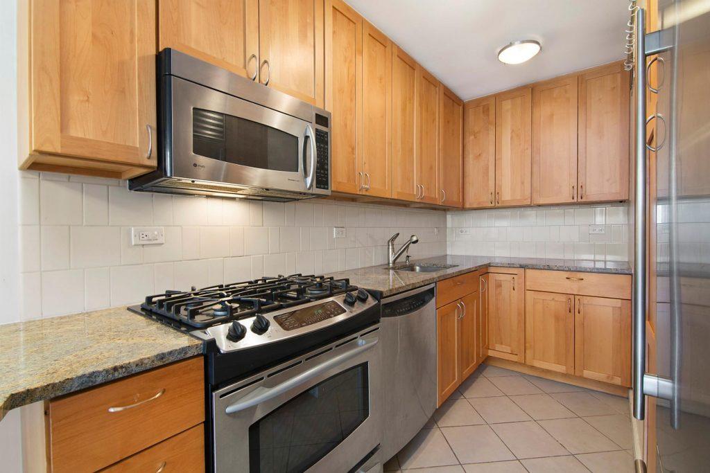 Photo of Christian Slater's Hell's Kitchen kitchen