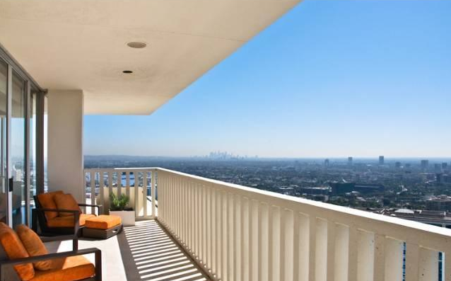 Matthew Perryu0027s West Hollywood Condo For Sale   Truliau0027s Blog