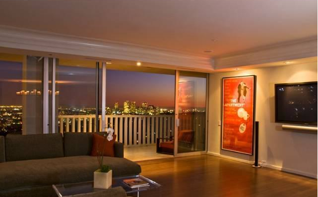 Matthew Perryu0027s West Hollywood Condo For Sale