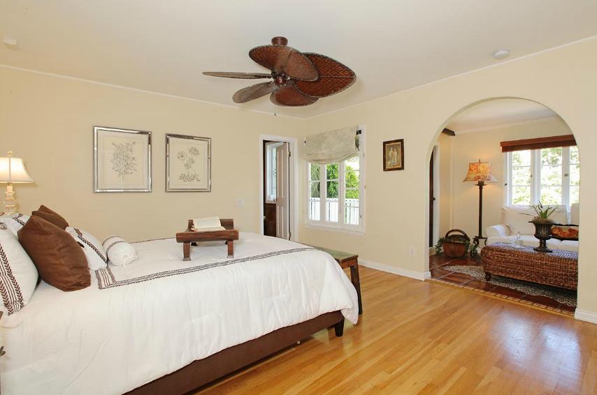 Funnyman Craig Ferguson Lists Longtime Beachwood Canyon Villa ...