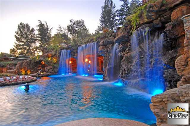 Delightful Drake Buys Incredible Compound In Hidden Hills For $7.7M   Truliau0027s Blog