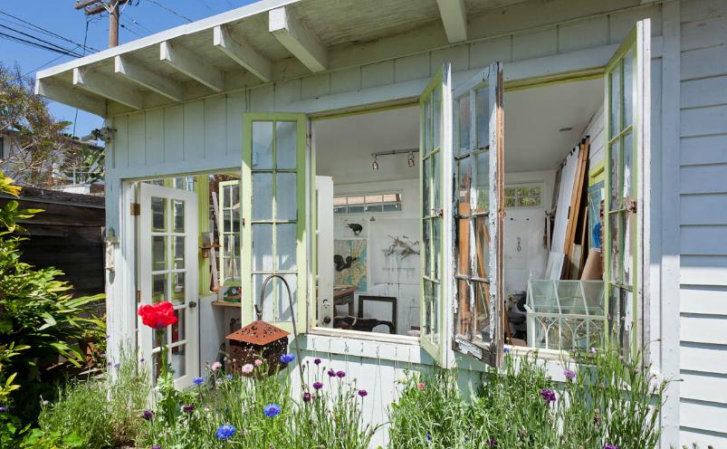 Shabby chic creator rachel ashwell buys romantic artist 39 s - Racholas exterior ...