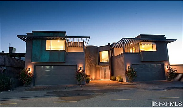 "Marshawn Lynch House >> Seattle Seahawk Marshawn Lynch Goes ""Beast Mode"" on the"
