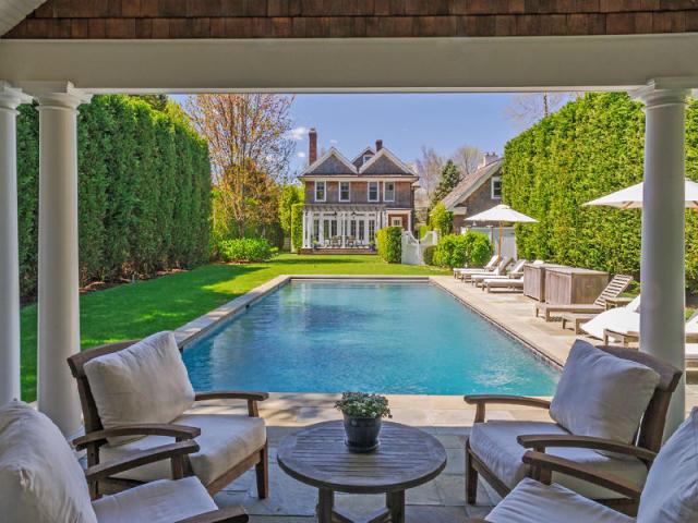 Brooke Shields Under Contract To Buy $4.3 Million Hamptons Hideaway    Truliau0027s Blog