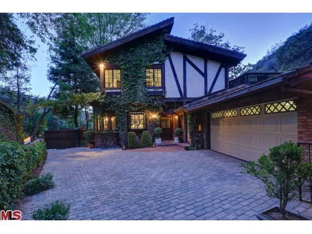 Cher buys beverly hills home for 2 1 million trulia 39 s blog for Beverly hills celebrity homes map