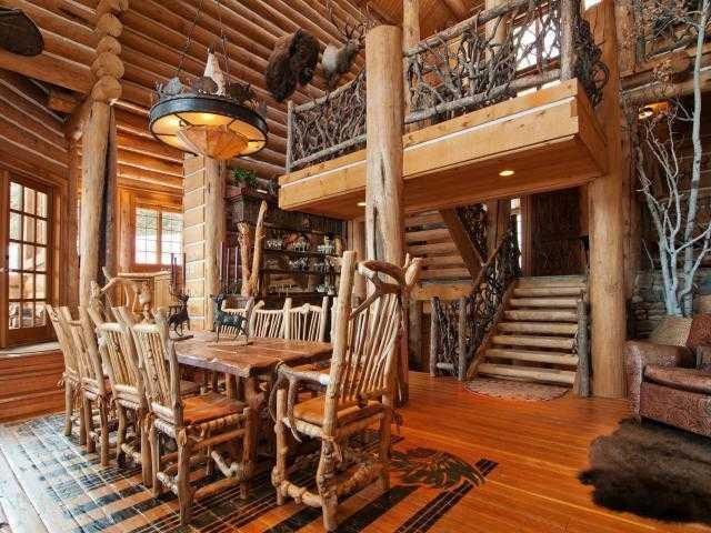 Go inside mitt romney 39 s new park city utah ski mansion for Log cabins in utah