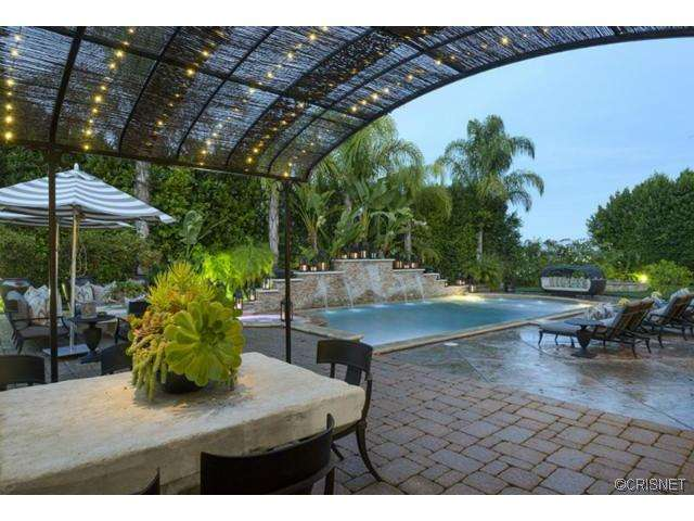 Report Khloe Kardashian And Lamar Odom Sell Tarzana Mansion To