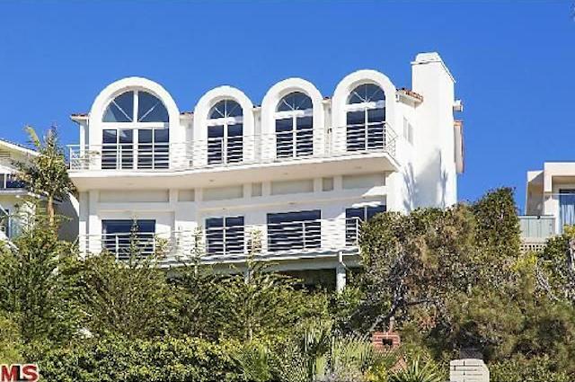 Bruce Jenner's Rented Malibu Bachelor Pad