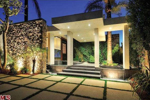 Jennifer Aniston Rented This Beverly Hills Mansion