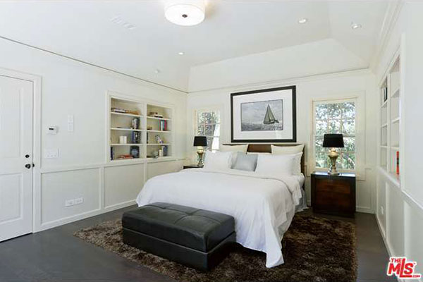 Minnie Driver Buys Traditional Home In The Hills Trulia