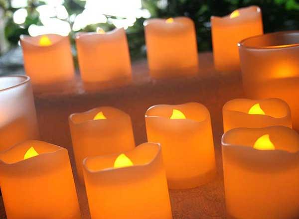 Feb2015 Trulia Romantic Bedrooms Amazon Flamless Candles 600x440