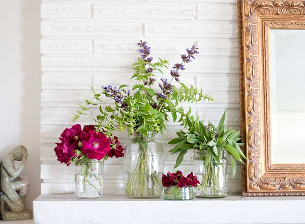 Feb2015-Trulia-Totally-Free-Home-Makeover-herb-arrangement
