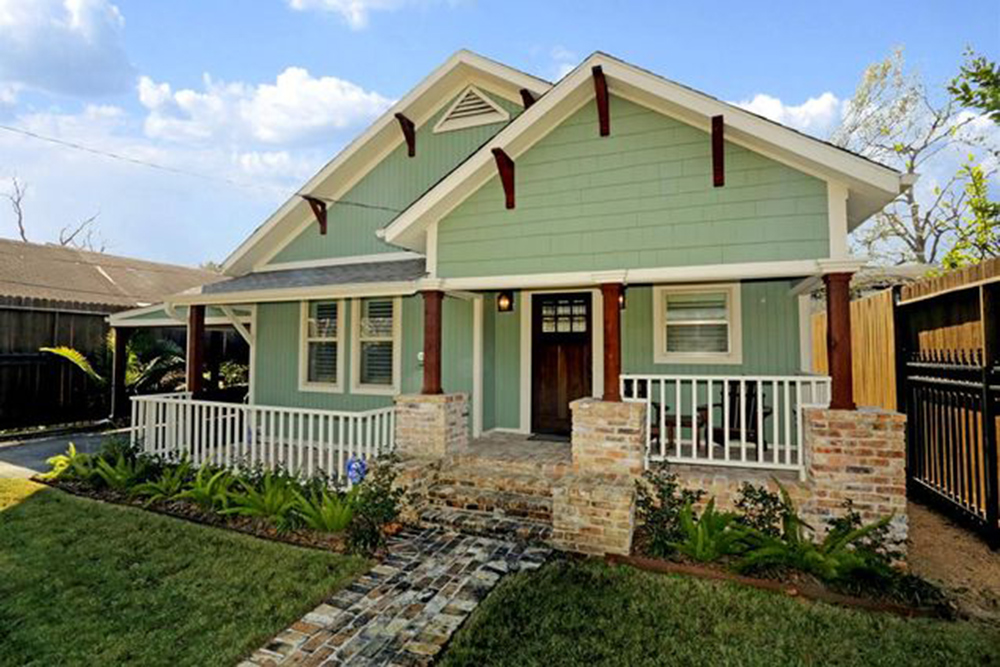 5 classic and affordable craftsman homes for sale for Custom craftsman home builders